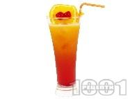 Коктейл Текила на разсъмване (Tequila Sunrise, текила сънрайз) с текила, портокалов сок, гренадин и черешки мараскино